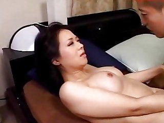 Busty Mummy Sucking Young..