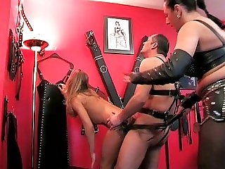 Nasty mommas get fucked by..