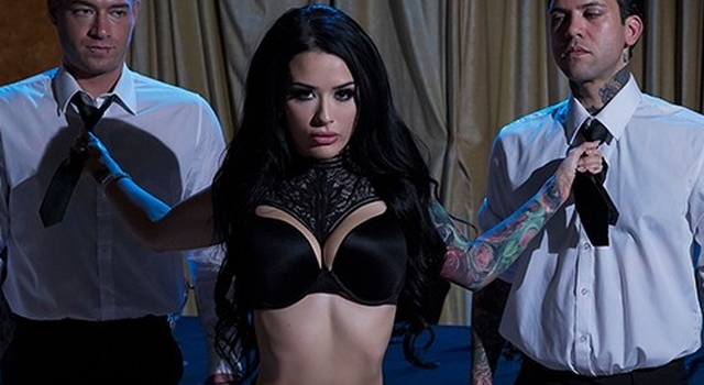 Brazzers - Inked goth..
